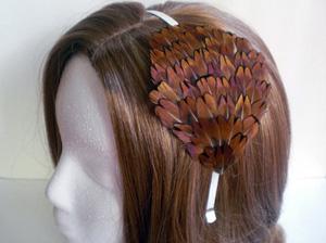 Обруч для волос из перьев птиц