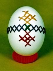 Вышивка крестиком по яичной скорлупе