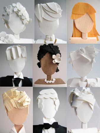 Такие бумажные человечки смогут украсить любой свадебный торт.