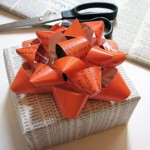 Бумажные цветы для упаковки подарков. Мастер-класс