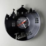 Часы из виниловых пластинок Павла Сидоренко