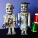 Роботы из пластиковой канвы