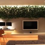Вертикальное озеленение с подсветкой