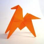 Подвижная  лошадь оригами