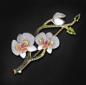 Ювелирное украшение из натуральных камней