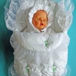 Все необходимое для новорожденного — одежда и пеленки