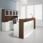 Какими должны быть офисные стойки ресепшн?
