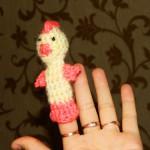 Вязаная игрушка цыплёнок