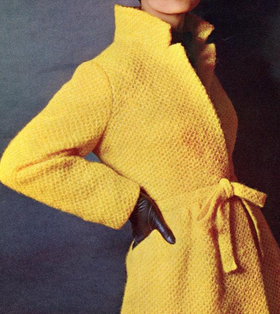 Пальто белое тунисским вязанием. Размер пальто 4244.Для вязания