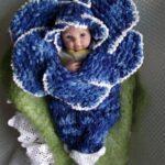 Вязаный кокон-цветок для новорожденных