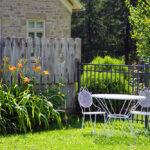 Обустраиваем сад: мебель, декор