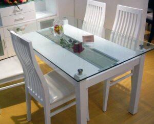 Выбор кухонного стола: материал, форма и иные критерии