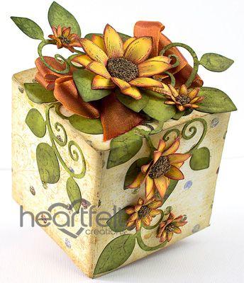 Упаковка подарка с подсолнухами