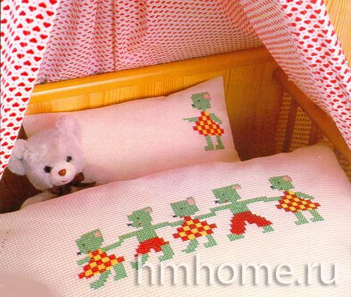 Маленькие вышитые мышки для детских нарядов