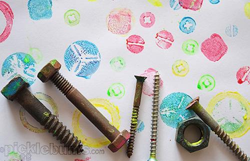 Занятия с детьми: штампы из подручных материалов