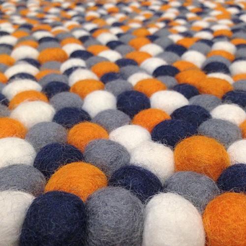 Хэндмейд коврики из помпонов