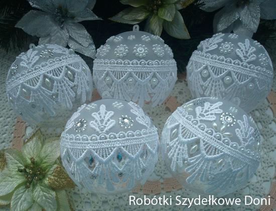 Ажурные новогодние шары