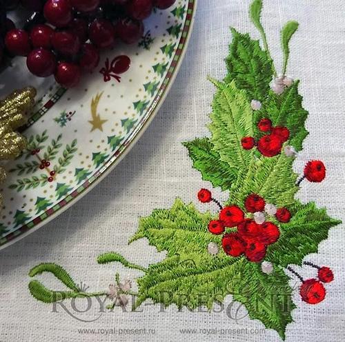 Падуб остролистный в рождественском декоре