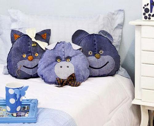 Интерьерные джинсовые подушки
