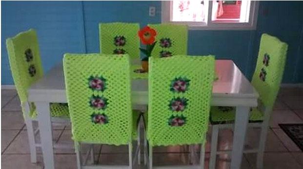 Вязаные чехлы для стульев