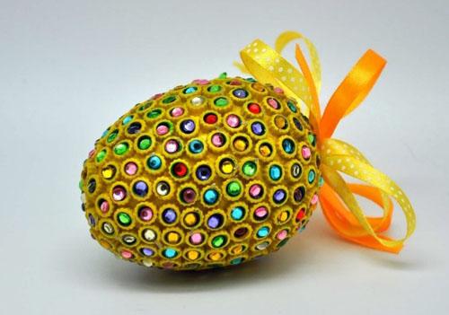 Декорирование яиц макаронами