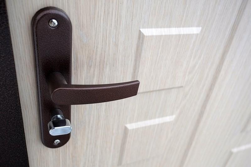 наружная отделка двери виноритом
