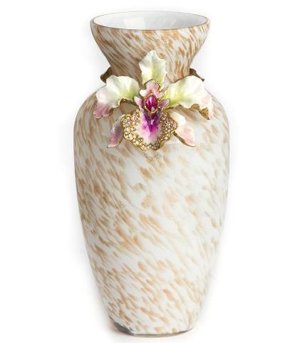 Украшение ваз камнями и цветами