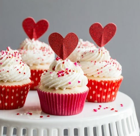 Как оформить десерт к 14 февраля