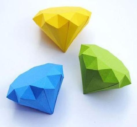 Бумажные кристаллы для декора