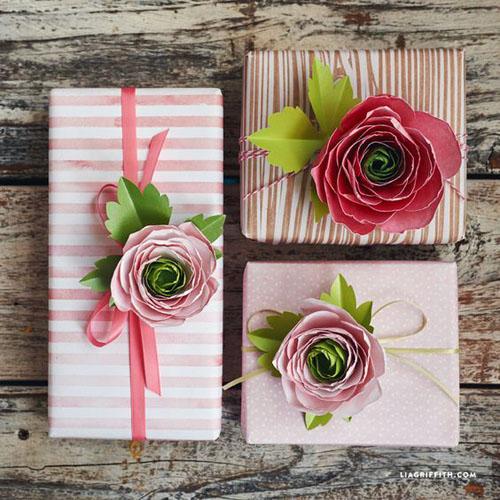 Упаковка подарка для женщин