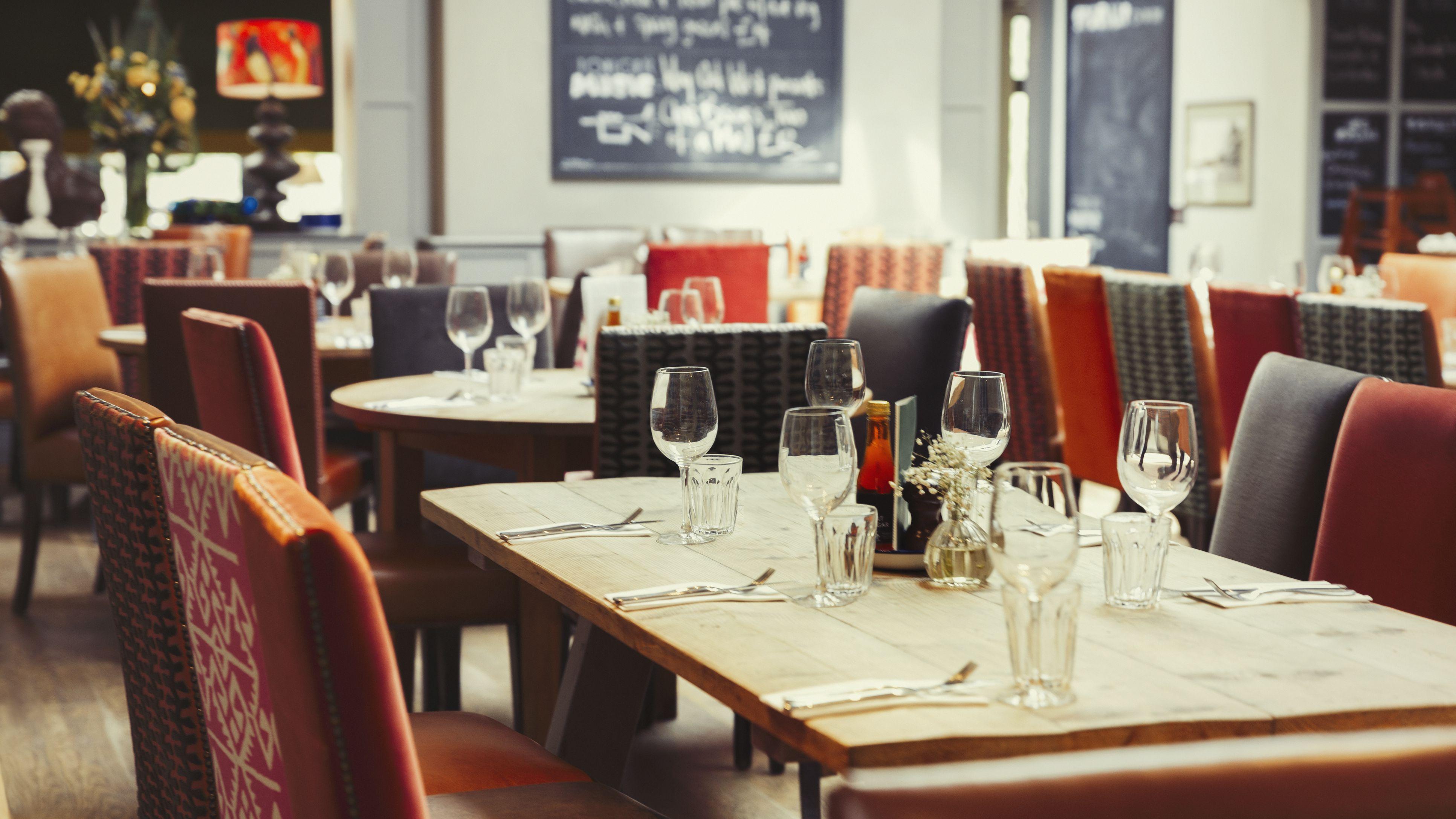 Виды мебели для ресторанов и кафе